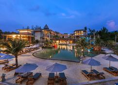 Mai Khao Lak Beach Resort & Spa - Khao Lak - Utomhus