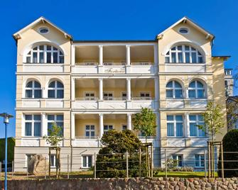 Vju Hotel Rügen - Gohren - Будівля