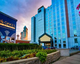 Oakes Hotel Overlooking the Falls - Niagara Falls - Building