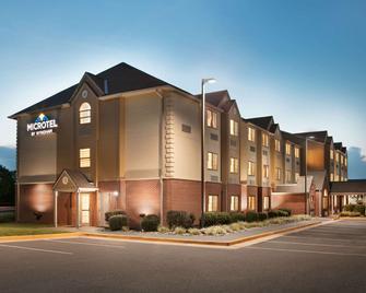 Microtel Inn & Suites by Wyndham Culpeper - Culpeper - Building