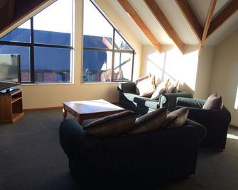 Snow Denn Lodge - Methven - Living room