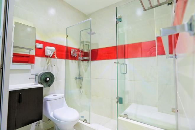 Rig Puerto Malecon - Santo Domingo - Bathroom