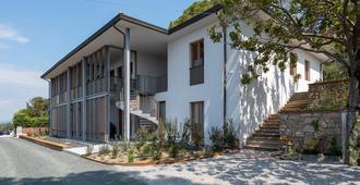 Villa Curiel - Castagneto Carducci - Edificio