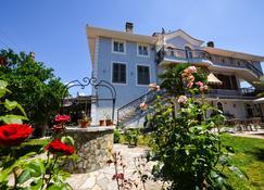 Rose Garden Hotel - Shkodra - Gebäude