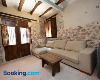 Casa Rural Pradas - Montanejos - Wohnzimmer