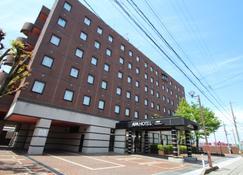 APA Hotel Uozu-Ekimae - Uozu - Gebouw