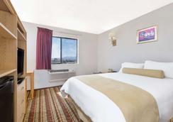 Super 8 by Wyndham Lake Havasu City - Lake Havasu City - Bedroom