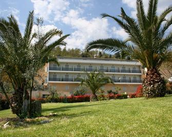 Alfredo Hotel - Bracciano - Building