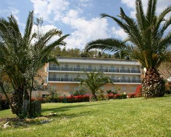 Alfredo Hotel - Bracciano - Gebouw