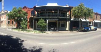 My Place & Adelaide Backpackers Hostel - Adelaide - Building