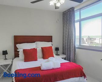 Shangri La Apartment 208 & 803 - Amanzimtoti - Bedroom