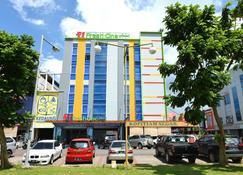 Hotel Fresh One - Batam - Bygning