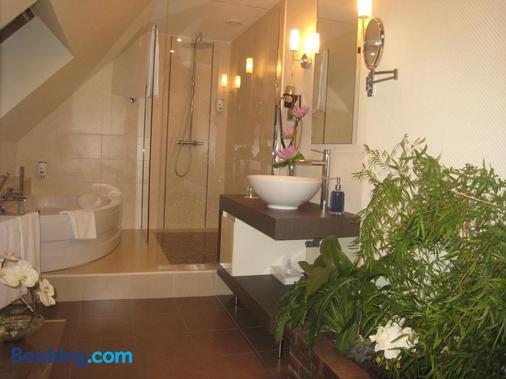 Hotel Relais Saint Jean Troyes - Troyes - Bathroom