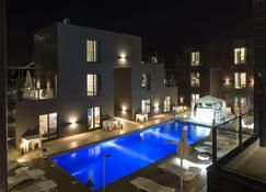 Nacala Plaza Business Design Hotel - Nacala - สระว่ายน้ำ