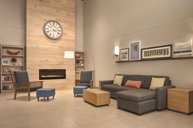 Country Inn & Suites by Radisson, Dubuque, IA - Dubuque - Lobby
