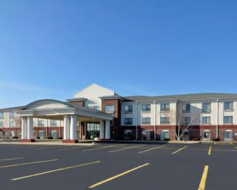 Holiday Inn Express Hotel & Suites Fort Atkinson - Fort Atkinson - Building