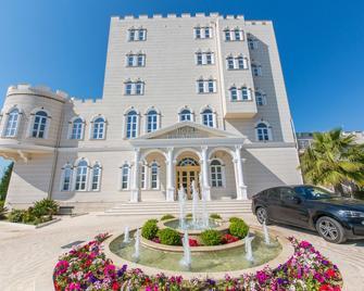 Hotel Belagrita - Berat - Building