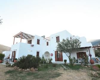 Blue Fish Apartments - Platis Gialos - Building