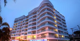 Amari Nova Suites Pattaya - Pattaya - Edificio
