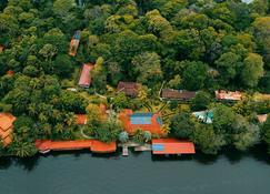 La Baula Lodge - Tortuguero - Outdoors view
