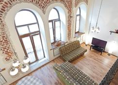 Sutkiminsk Apartment - Minsk - Living room