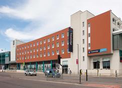 Travelodge Gloucester - Gloucester - Building