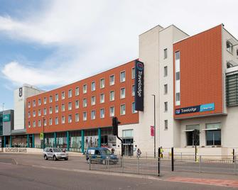 Travelodge Gloucester - Gloucester - Building