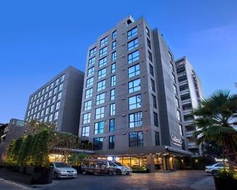 Galleria 12 Sukhumvit Bangkok by Compass Hospitality - Bangkok - Building