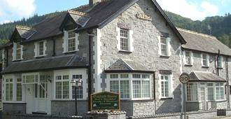 Oakfield House Bed and Breakfast - Betws-y-Coed - Building