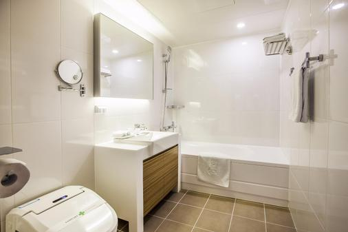 Hamilton Hotel - Seoul - Bathroom