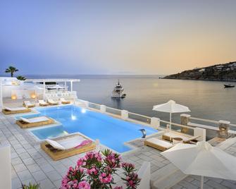 Nissaki Boutique Hotel - Platis Gialos - Bazén