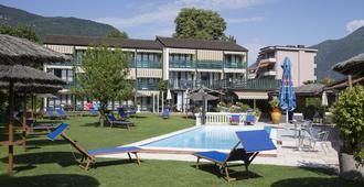 Hotel Garni Tiziana - אזקונה