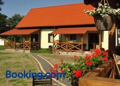 Pokoje I Domki Saracenska Chata - Stegna - Building