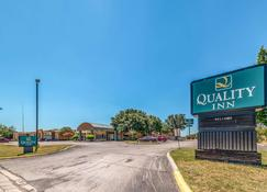 Quality Inn Gainesville - Gainesville - Building