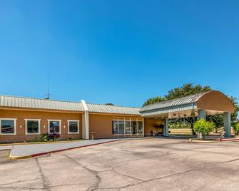 Quality Inn Gainesville - Gainesville - Gebäude