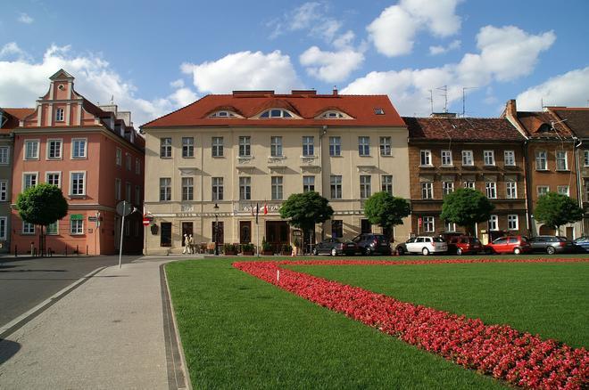 Hotel Kolegiacki - Poznan - Building