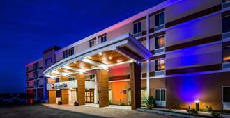 Best Western Plus North Shore Hotel - Danvers