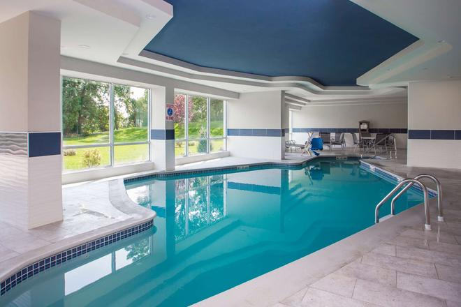 Best Western Plus North Shore Hotel - Danvers - Pool