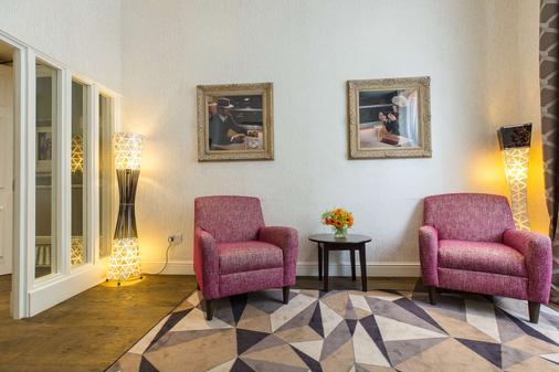 Kensington Gardens Hotel - Lontoo - Olohuone
