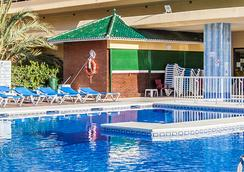 Gran Cervantes by Blue Sea - Torremolinos - Pool