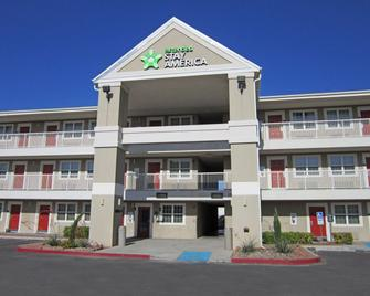 Extended Stay America - El Paso - Airport - Ель-Пасо - Building