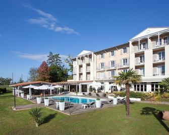 Brit Hotel du Golf Le Lodge - Salies-de-Béarn - Pool