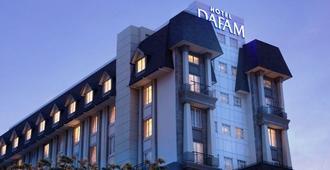 Hotel Dafam Semarang - סמראנג
