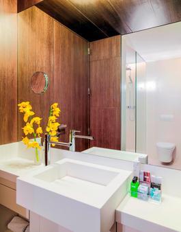 H10 Urquinaona Plaza - Barcelona - Bathroom