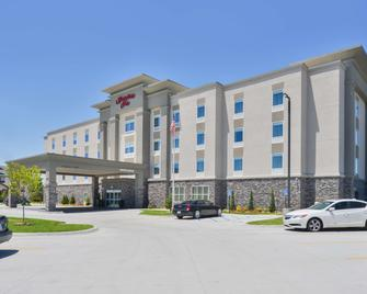 Hampton Inn Emporia, KS - Emporia - Building