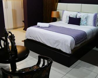 Inca-Rose Guest House - Francistown - Bedroom