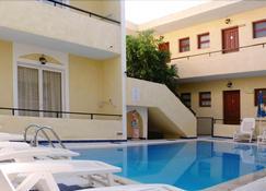 Senia Studios - Aegina - Pool