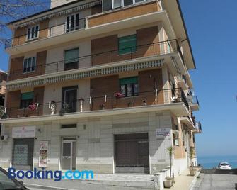 Terrazza Sul Mare - Giulianova - Gebouw
