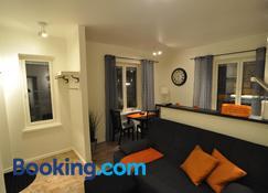 Townhouse Apartments - Mariehamn - Sala