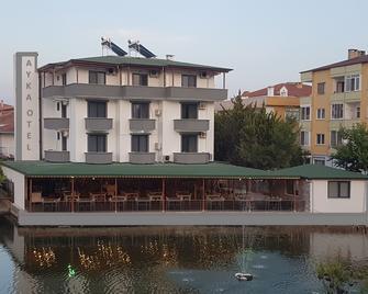 Ayka otel - Ayvalık - Building